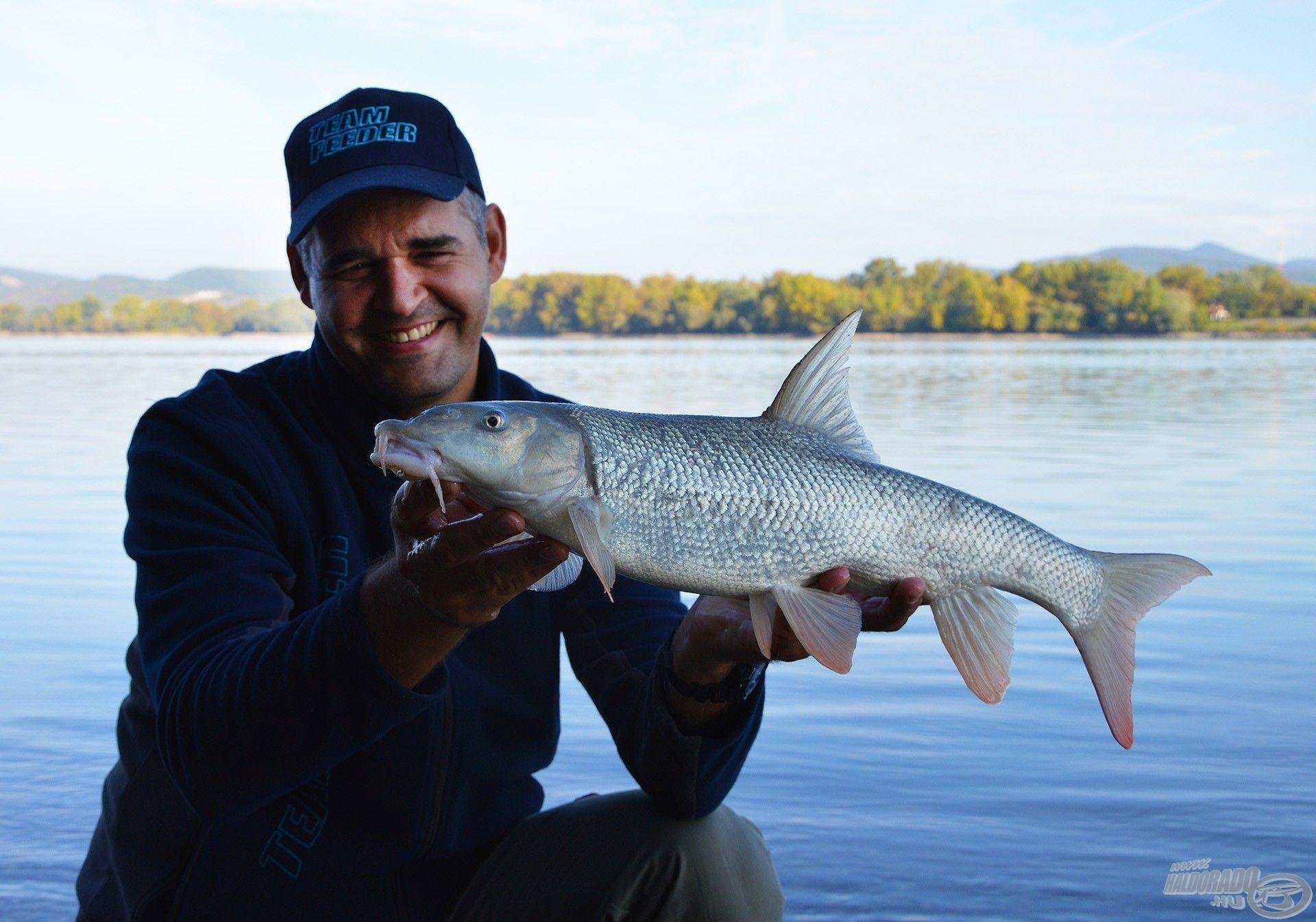 Az igazi nagy halak a parttól távolabbi régiót kedvelik, és ennek a meghorgászására már komoly kosár is kell!