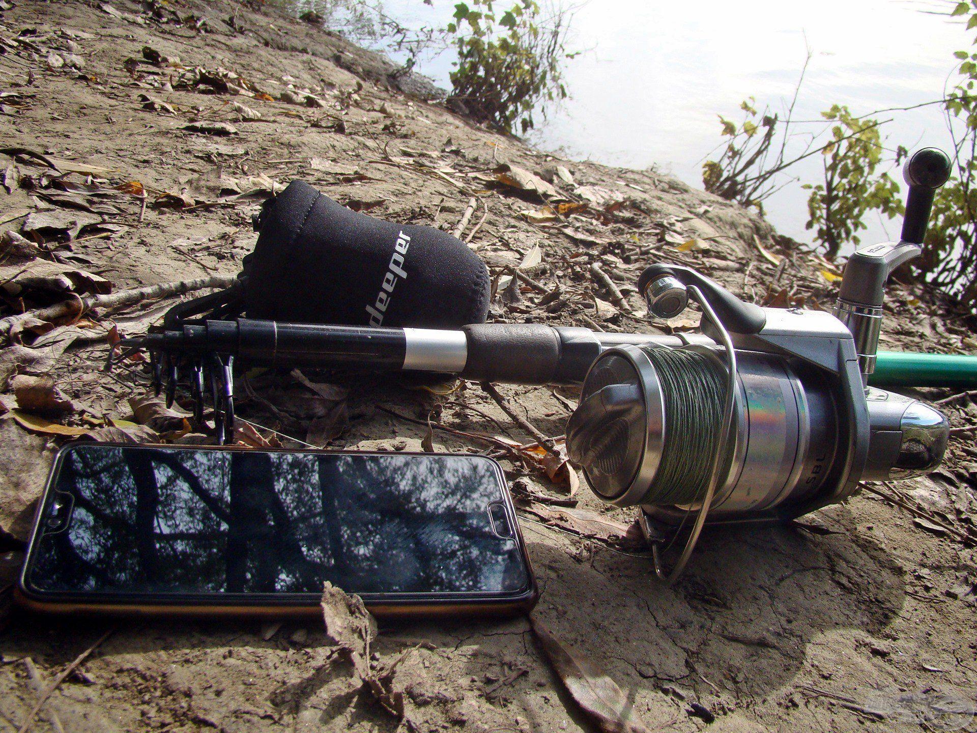 Egy erősebb bot, a Deeper, valamint egy telefon, és már indulhat is a medertérképezés