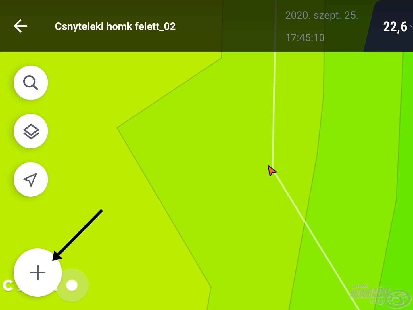 A felnagyított térképrészleten a nyíllal jelölt plusz ikon megnyomásával tudunk új helyet menteni