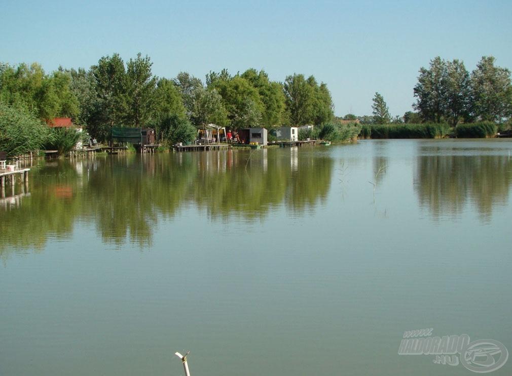Még egy kép a tó északi…