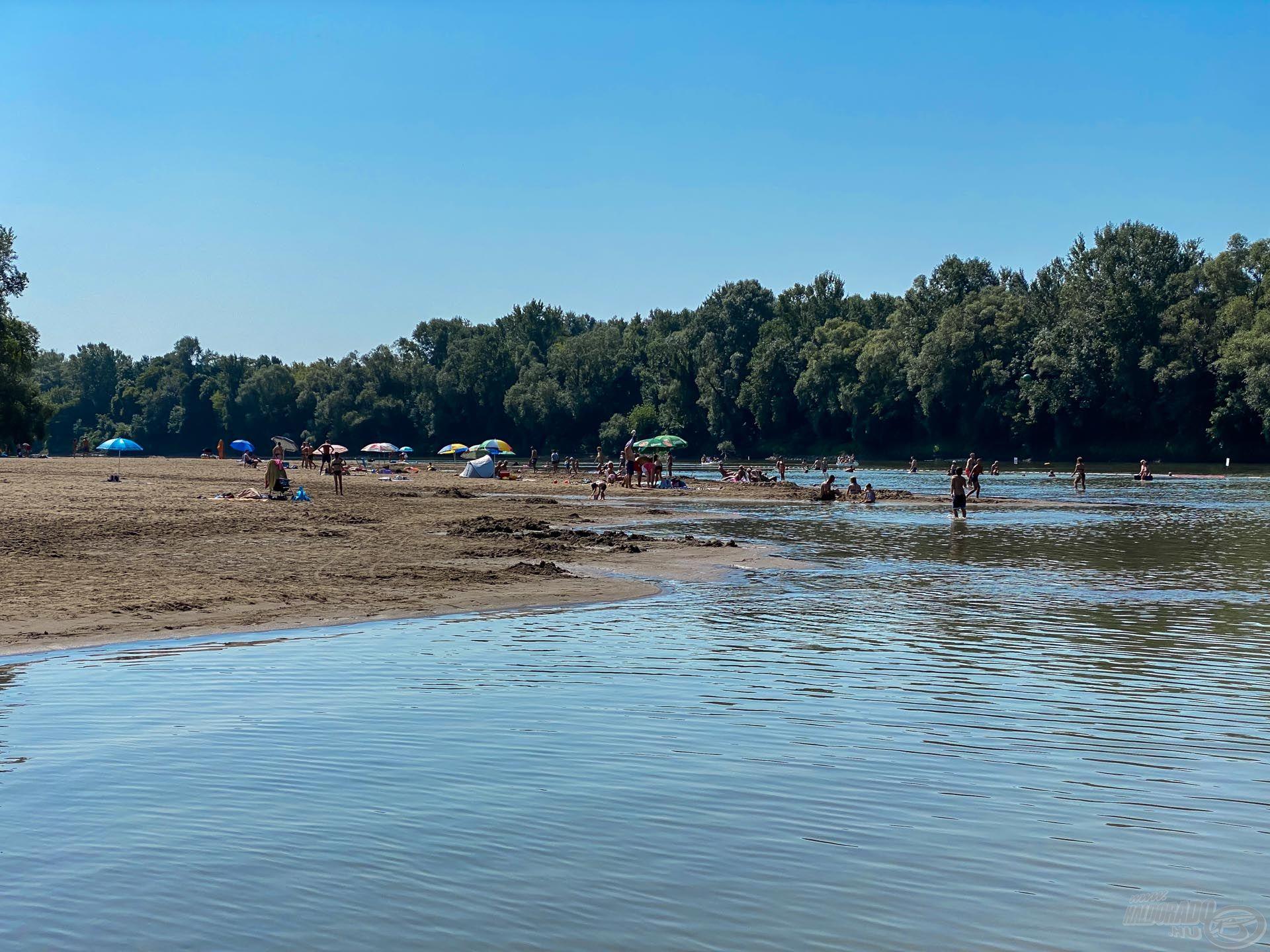 Ebéd Gergelyiugornya strandján, szerintem ez a TOP 3 strandba beletartozik e megyében