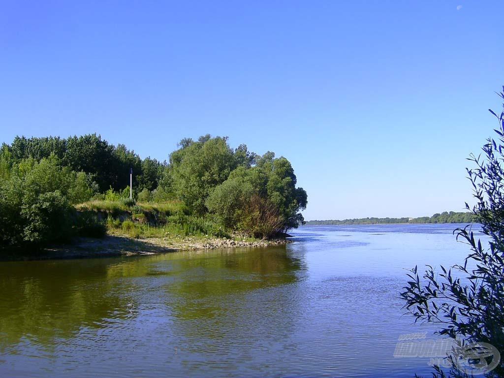 Jobbra a Duna
