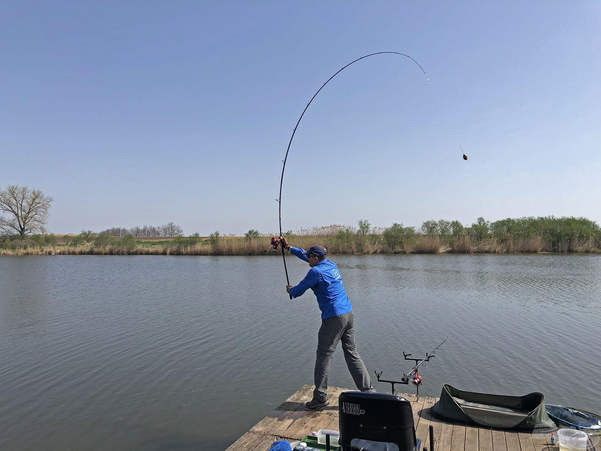 A horgászatot a legígéretesebb helyeken kezdtem, kapást mégsem tudtam elérni