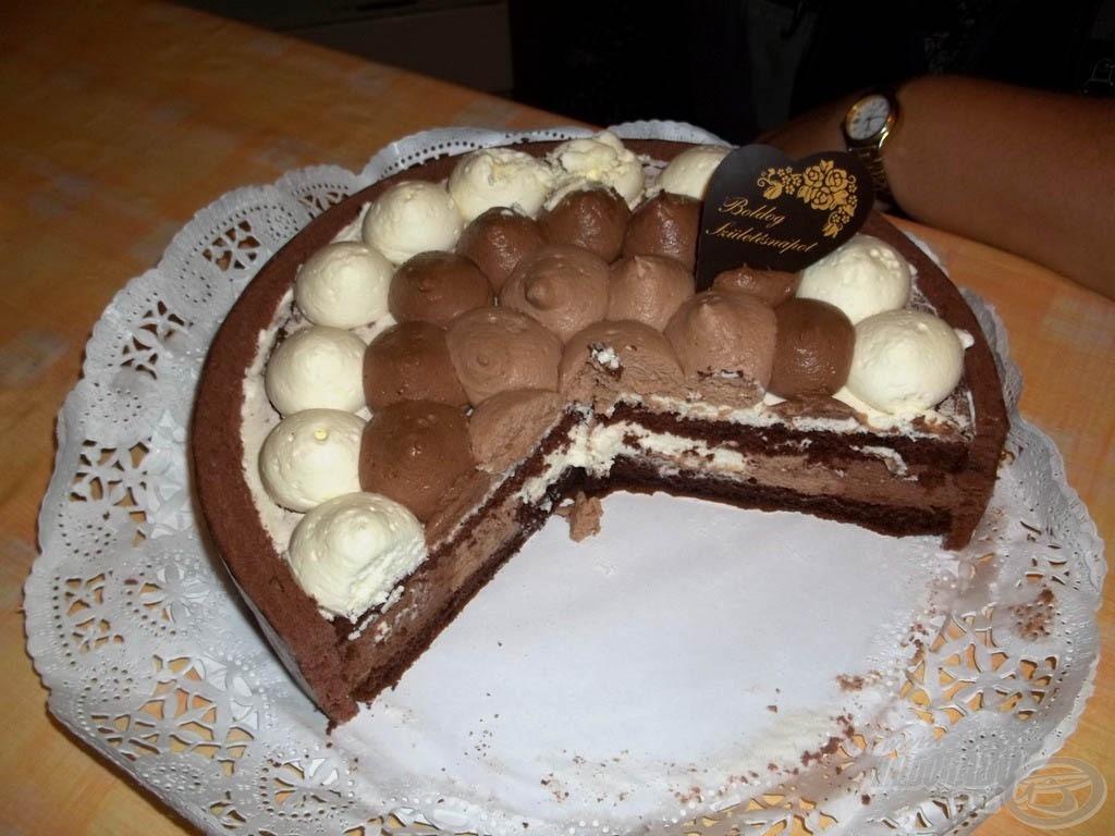 Egy megelőlegezett szülinapi torta…