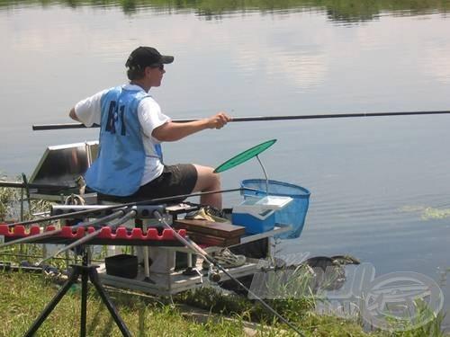 A fiatal horgászok keményen küzdöttek