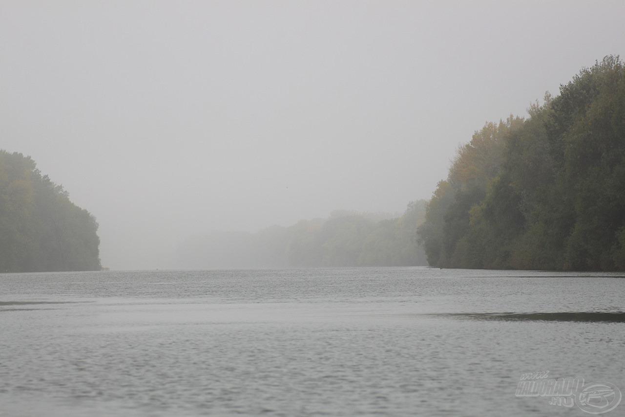 Lassan nyílt ki a ködtakaró és a felhőborítás