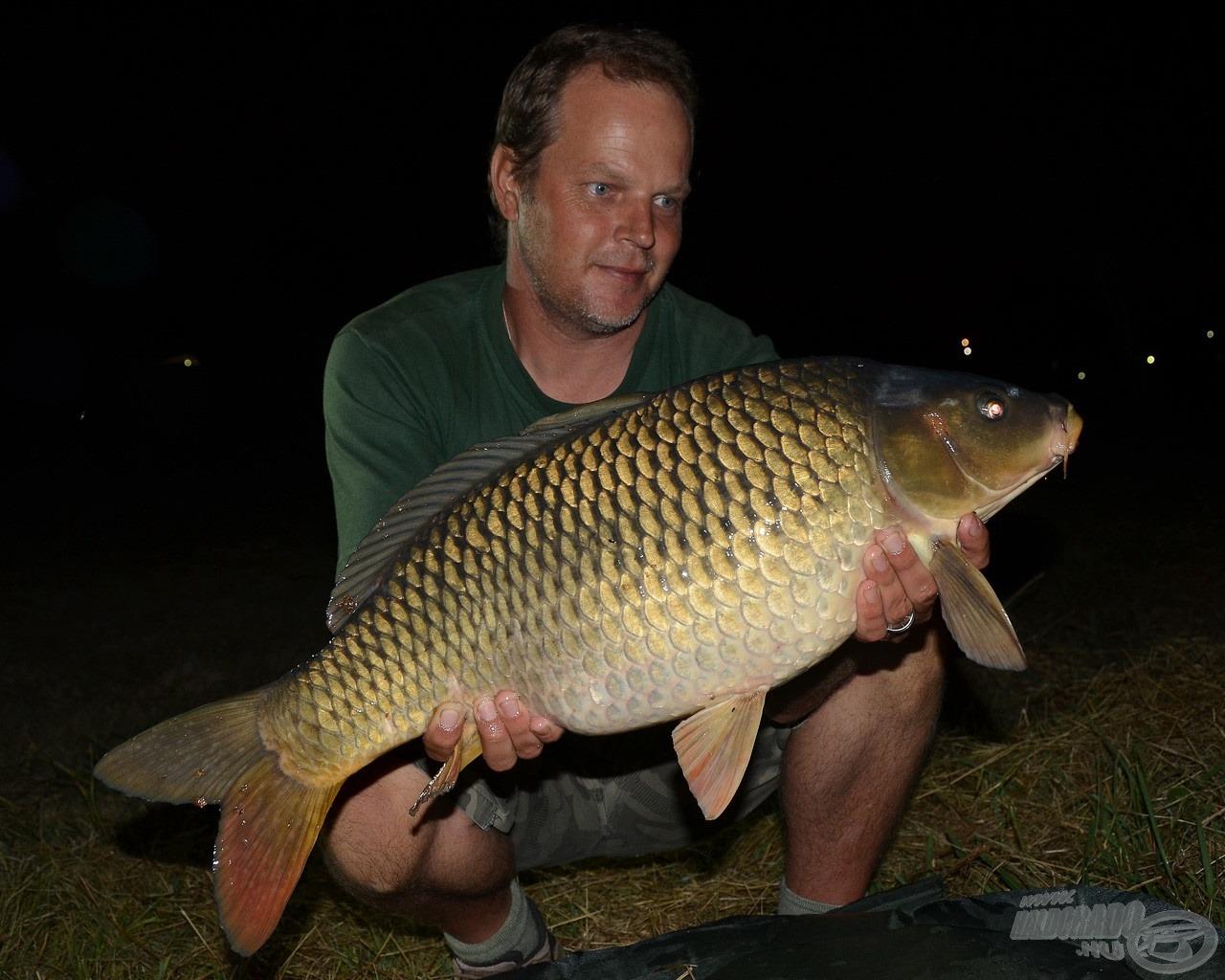 Pont egy hal fárasztásával fogadott minket Derrick Nel túránk újabb helyszínén