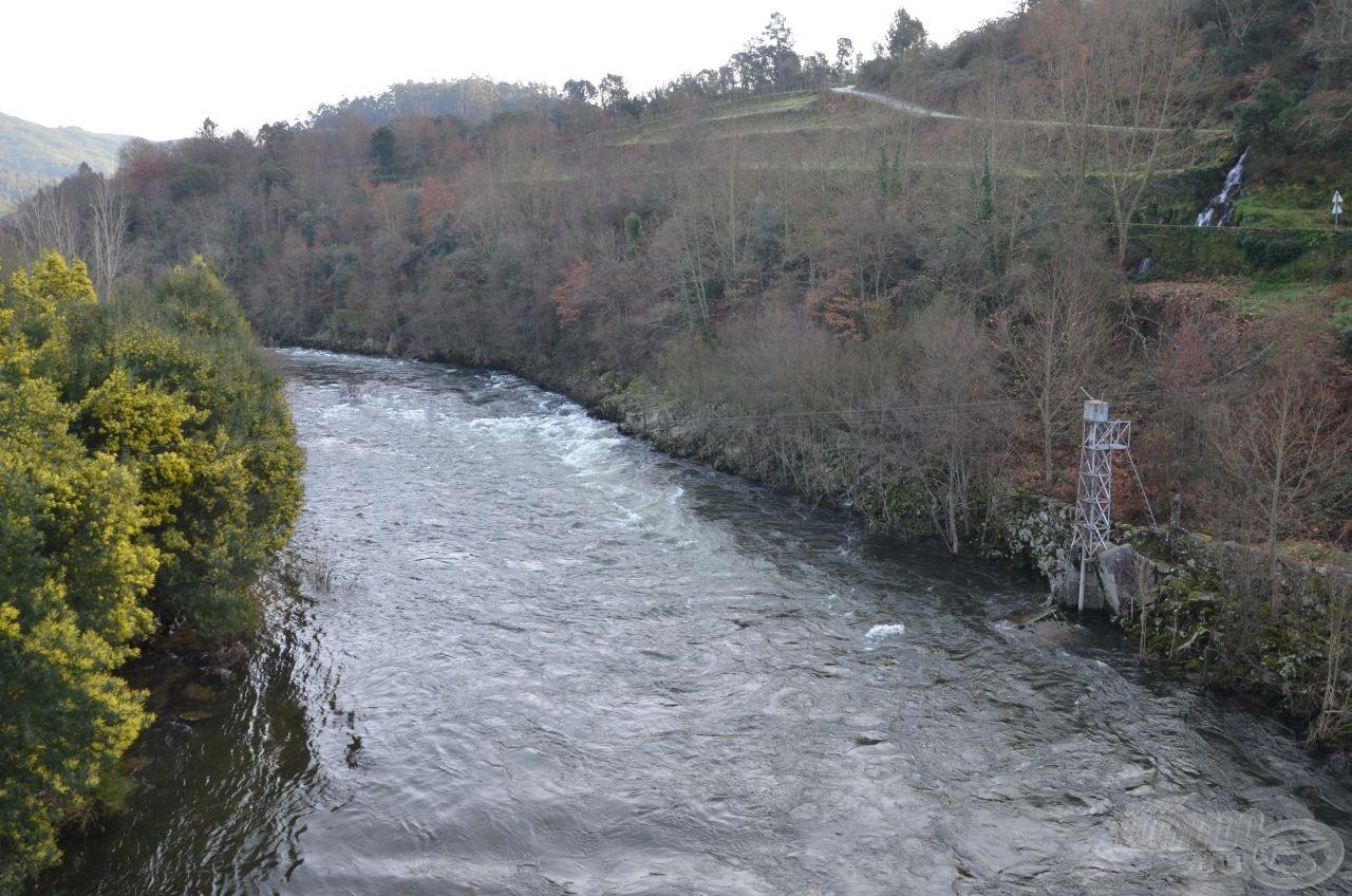 Ekkor pillantottuk meg először a Tâmega folyó hegyvidéki szakaszát