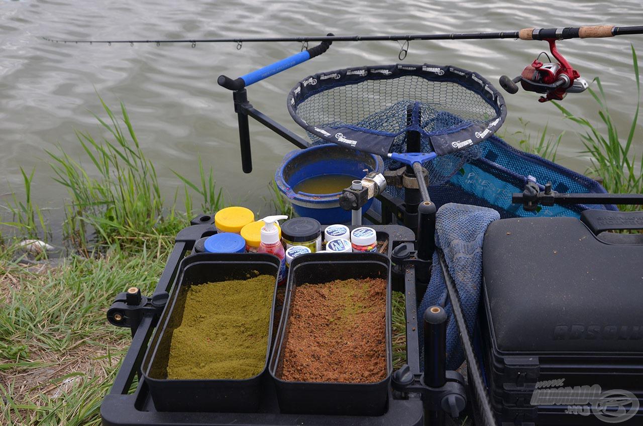 A horgászat drasztikus fejlődése ezen az egy képen is lemérhető. Nem kell már több 10 kg kaja és csalik tömkelege, hogy SOK halat foghassunk! Elegendő néhány csomag magas minőségű etetőanyag és hozzájuk illő finom csalik!
