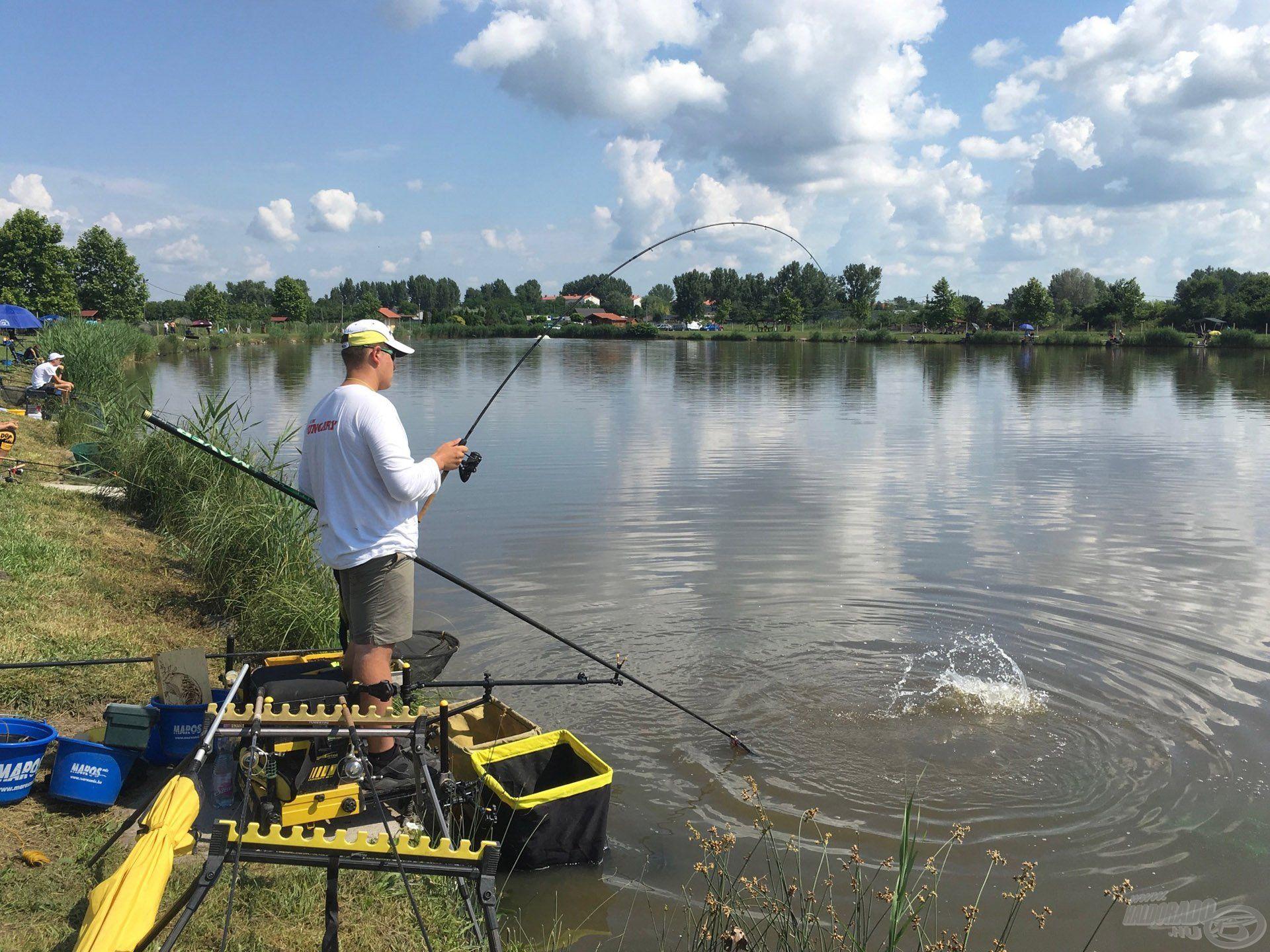 Minden egyes versennyel nő a fiatalok tapasztalata, rutinja és jó horgászat esetén a kedve!