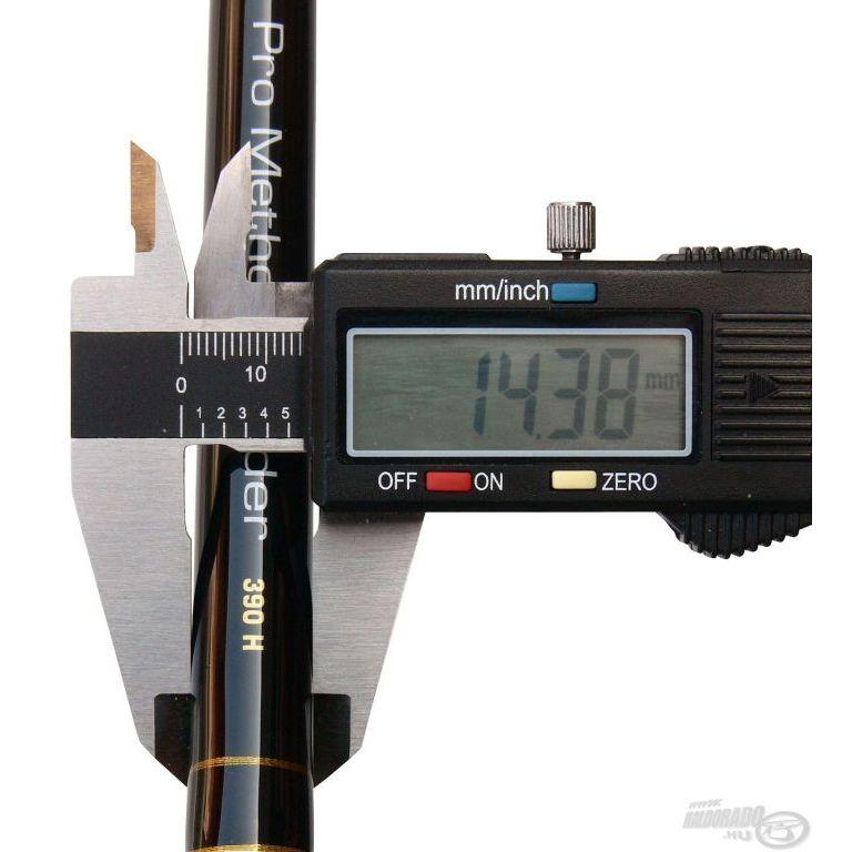 By Döme TEAM FEEDER Pro Method Feeder 390H + Ajándék Haldorádó Pro Method Pellet 5 mm
